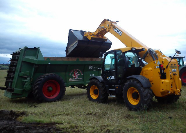 Muck, Compost and Digestate Spreading